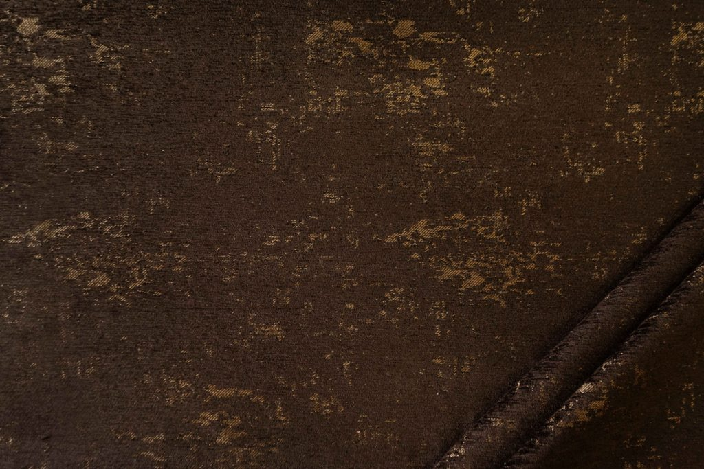 tessuto in microfibra graffiti colore cioccolato