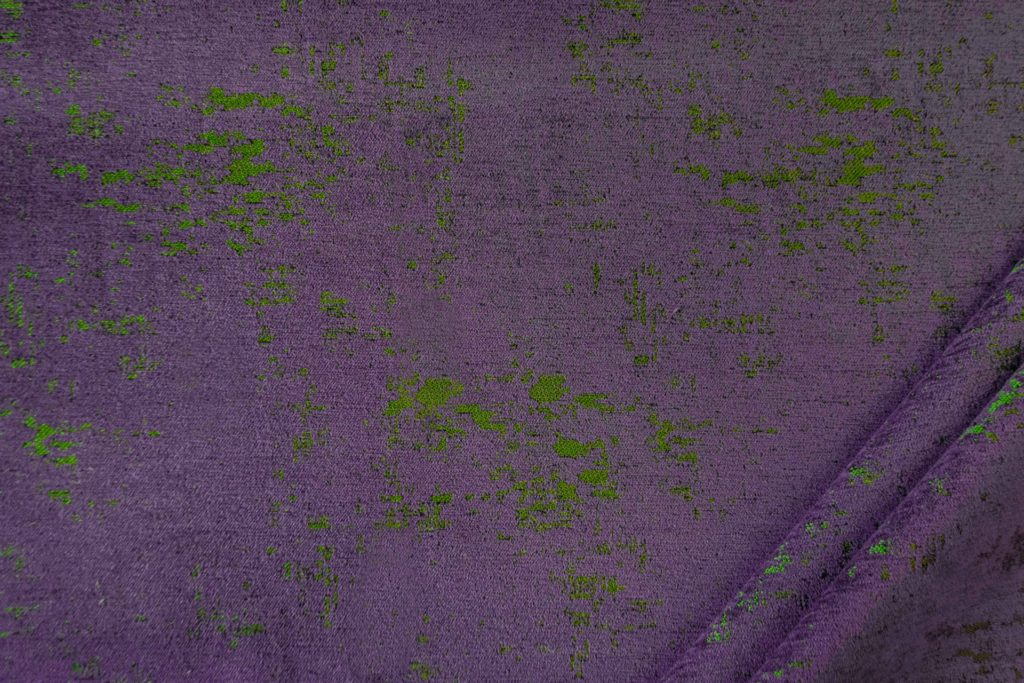 tessuto in microfibra graffiti colore vinaccia