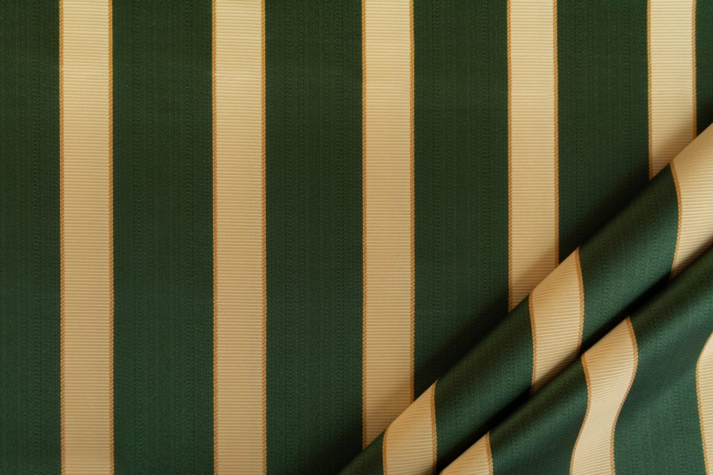tessuto rasato ignifugo classe 1 elegante rigato mx metrolpolis colore verde